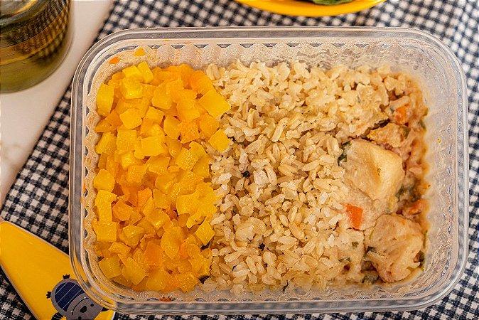 Filezinho de peixe ao molho com legumes, arroz integral e cubinhos de abóbora ao forno - Peixadinha