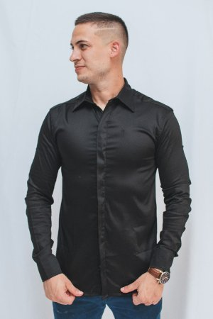 Camisa Slim Botão Embutido Manga Longa Preta