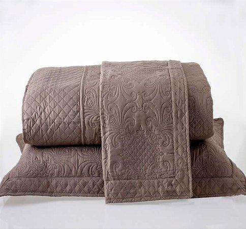 Kit Colcha Queen com Porta Travesseiros Microfibra - Provence Marrom