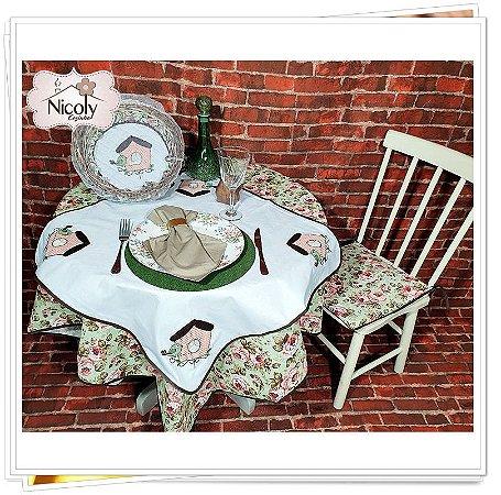 Toalha de Mesa Para 4 Cadeiras –Casa do Passarinho, 1,40m x 1,40cm.