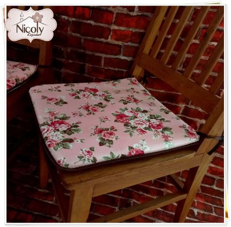 Assento Quadrado – Amore, 40 x 40cm.