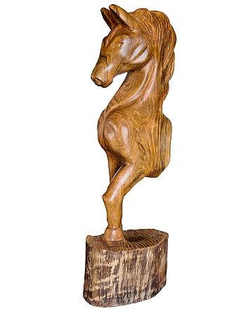 Escultura Cavalo Potro Entalhado em Madeira