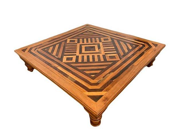 Mesa de Centro Quadrada com Tampo Mosaico e Pés Torneados