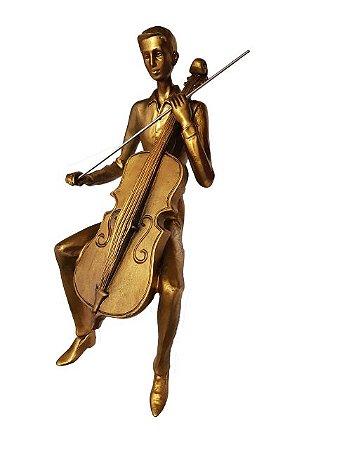 Escultura Violinista de Quina Dourada em Resina