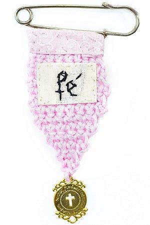 Berloque Crochê Rosa e Bordado Fé Pequeno