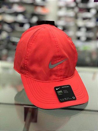 Boné Masculino Nike Ar1998-850 Featherlight Cap Run Coral