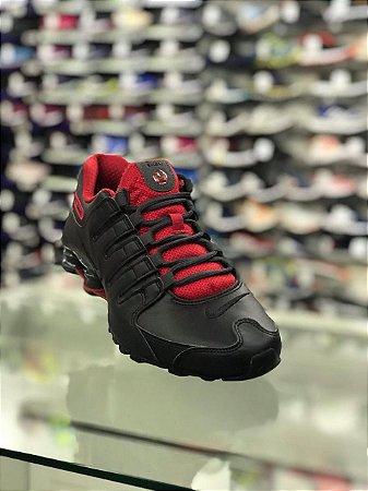 Tênis Nike Shox Nz Eu Masculino - Preto e vermelho
