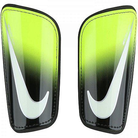 Caneleira Nike Mercurial Hard Shell - Preto e Branco