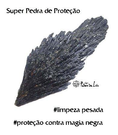 Pedra Cianita Negra - Vassoura de Bruxa (de 12g a 19g) | Cura Energética e Proteção