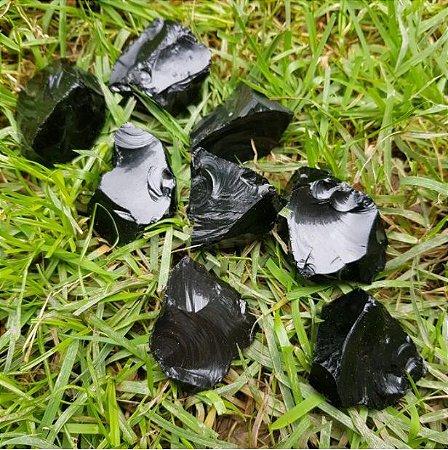 Pedra Obsidiana Negra Bruta (21g à 30g)