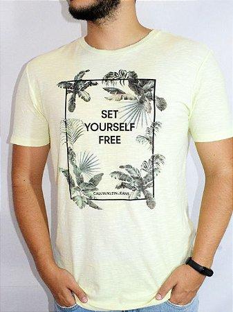 Calvin Klein Jeans Camiseta Set Yourself Free Amarelo TC577