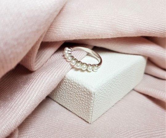 Anel Mini Pérolas - Banhado a Ródio Branco