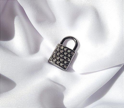 Pin Cadeado Cravejado - Banhado a Ródio Negro