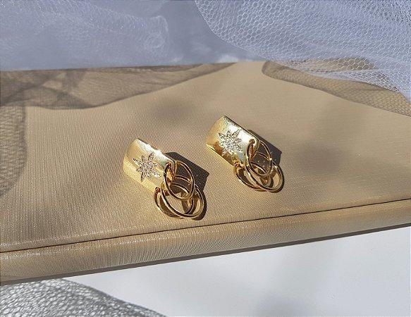 Brinco Chapa com Estrela Cravejada e Argolinhas - Banhada a Ouro