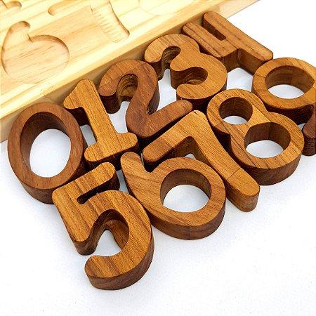 Número de madeira avulso