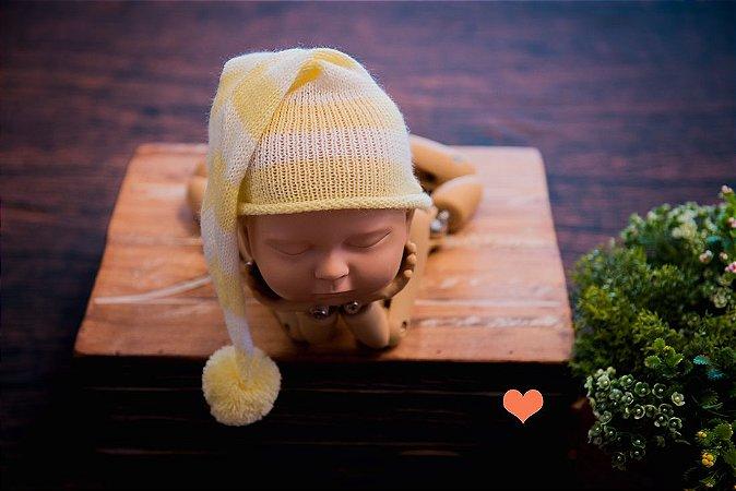 Gorro Funil listrado Amarelo bebê com cru