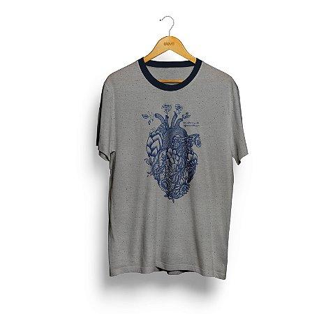 Camiseta Coração (botone cinza) - Masculina