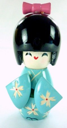Boneca Kokeshi Pequena - Azul Claro Margarida