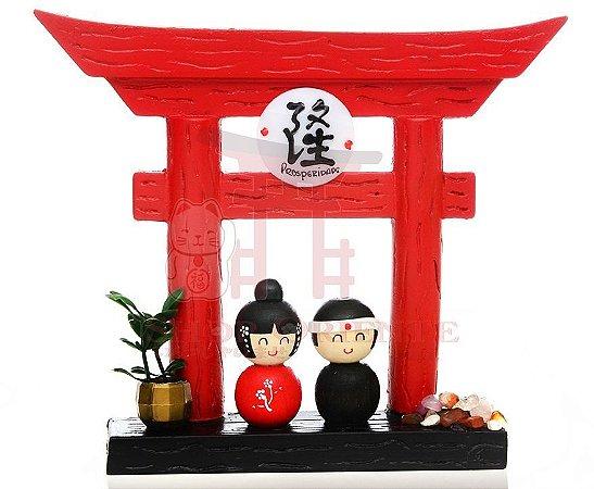 Portal Japonês (Tori) com Ideograma de Prosperidade