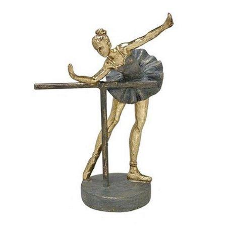 Bailarina Decorativa Em Resina  19x14cm