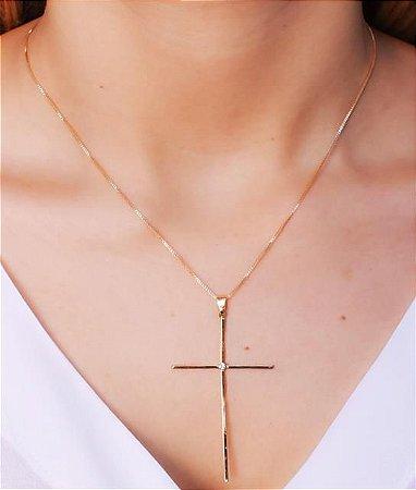 Colar com Pingente de Cruz Grande (6 cm) com Uma Zircônia no Meio da Cruz