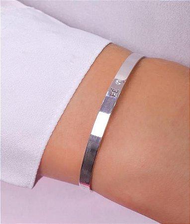 Bracelete escrito fé vazado e zirconia