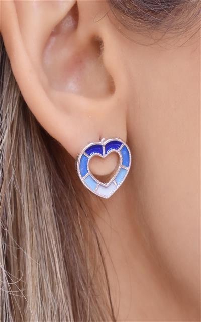 Brinco de coração todo resinado na cor azul