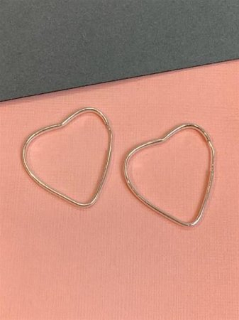 Argola em prata de coração 3 cm