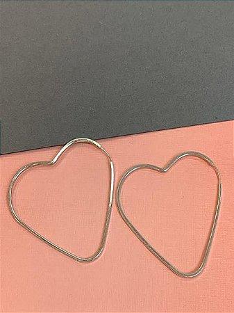 Argola em prata de coração 4,5 cm