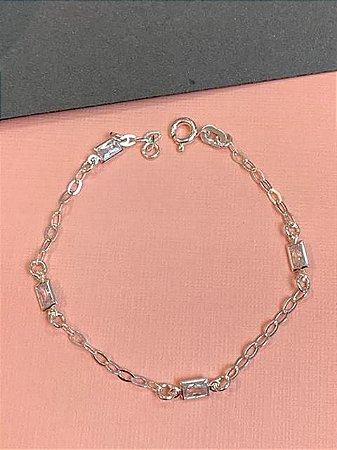 Pulseira em prata com corrente com zirconias retangulares