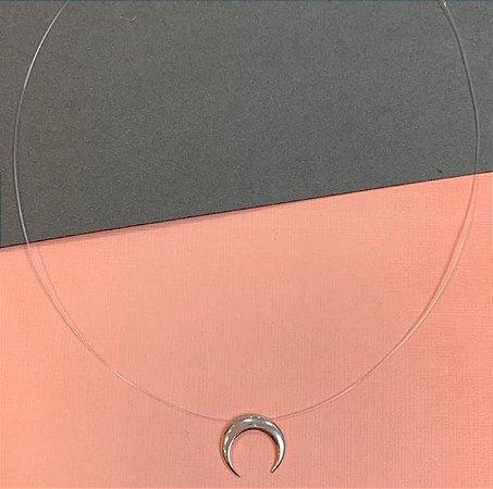 Colar nylon com pingente em prata de chifre e fecho de rosca