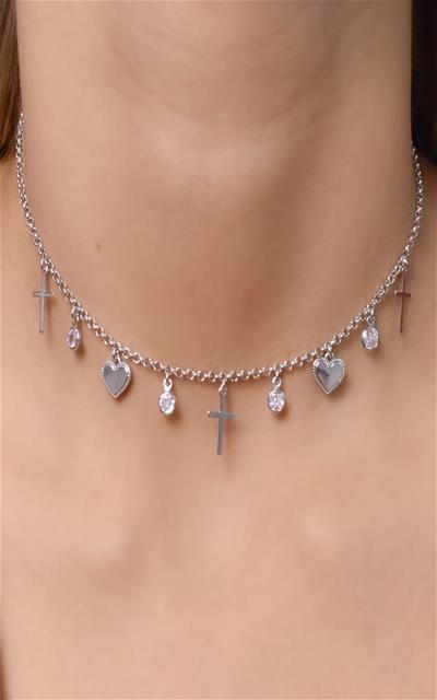 Choker corrente de elo português com pingentes de coração, zirconia e cruz