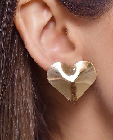 Coração de chapa amassada estilo replica de ouro