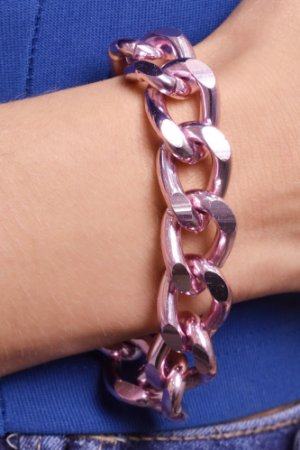 Pulseira com corrente groumet G. Pink chain