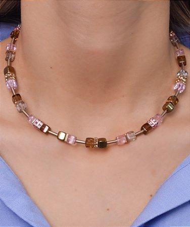Colar GeoCubo marrom, cristal, dourado e rosa
