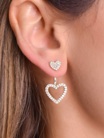Brinco ear jacket de dois corações cravejados de micro zirconia