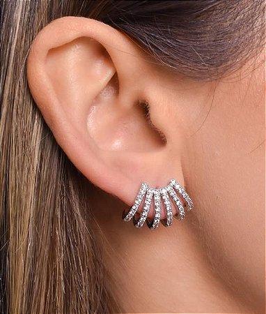 Ear cuff com seis carreiras de micro zirconia afastadas