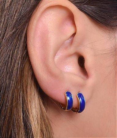Argola articulada com resina azul tamanho M
