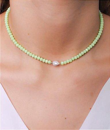 Choker todo de cristal com pérola de agua doce na cor verde hortelã