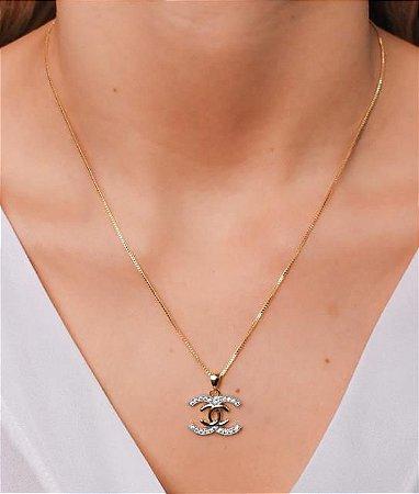 Colar de Chanel Cravejado com símbolo liso no meio