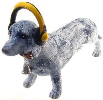 Estatueta Decorativa Basset Jeans com Fone de Ouvido em Pé (Deco Dog-501)