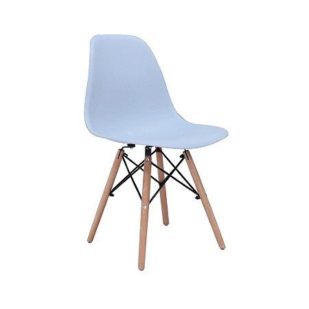 Cadeira Design Charles Eames Eiffel Azul Claro Plástico Base Madeira