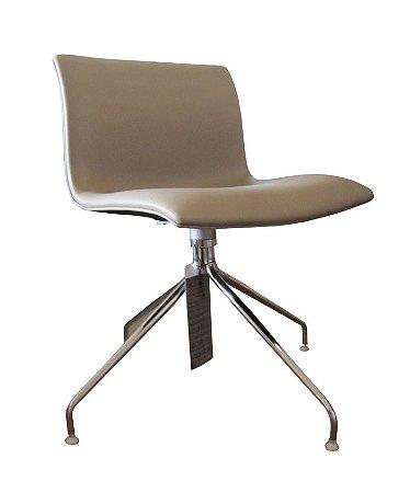 Cadeira Delta base giratória