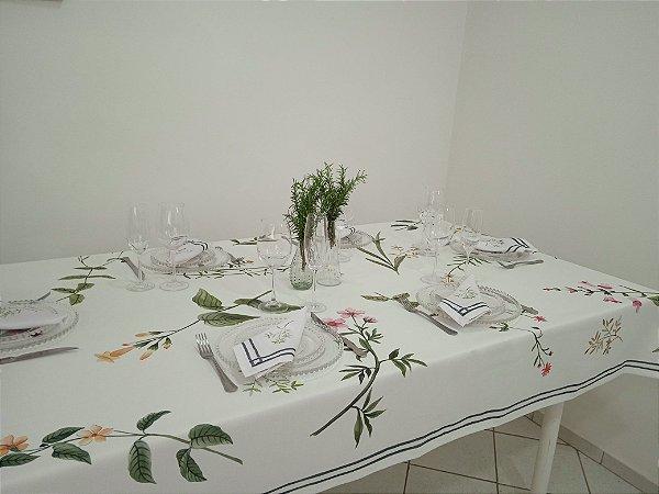 Toalha de Mesa Angela (Flores e galhos fundo branco) - Tecido com Impermeabilidade