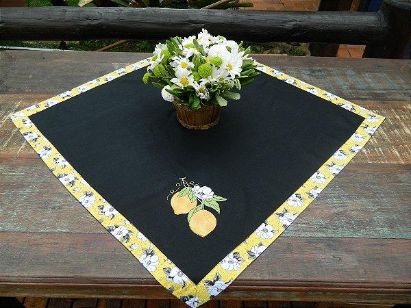 Toalha 78cmx78cm - Cor: PRETA - Bordado: Limão Siciliano
