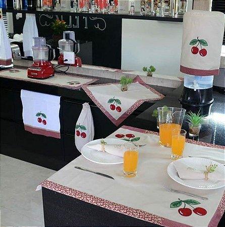 Jogo de cozinha 8 peças – cor areia c/ Bordado Cereja