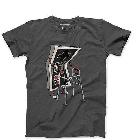 Camiseta Masculina Old - Loja Nerd e Geek - Presentes Criativos
