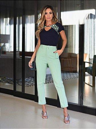 Blusa de viscose com detalhes verdes