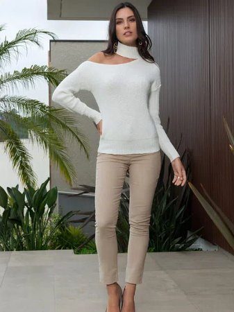 Blusa de Tricot Ombro Vazado e Gola