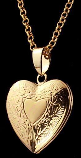 Colar Medalhão Romântico